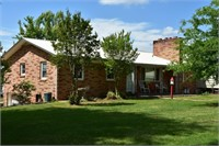 House on 2.9+/- acres in Catawba