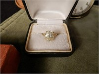 14KT gold ring with light yellow topaz