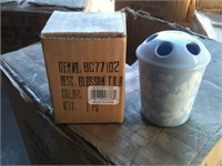 Online- Dealer Sale -QTY Clothing and Bath Accessories #803