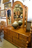 New Years Antiques & Collectibles Auction  2pm