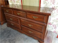 Online Auction Selling Contents for Nelson Cudmore
