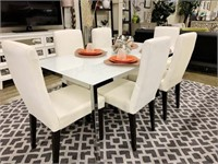 Model Home Furnishings & Decor Auction
