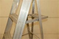 Aluminum 6' Step Ladder