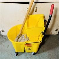 Rubbermaid Mop Bucket