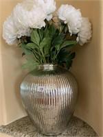 21 - BEAUTIFUL LARGE VASE & NEVERDIE WHITE FLOWERS