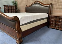 21 - BEAUTIFUL KING SIZE BED;NIGHTSTAND & DRESSER