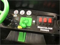 NEW GRAVE DIGGER MONSTER TRUCK - NO BATTERY/CHARGE