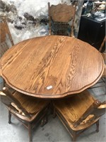 335 - BEAUTIFUL ROUND WOOD TABLE W/ 5 CHAIRS