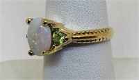 14KT YELLOW GOLD OPAL AND PERIDOT RING 4.40 GRS