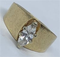 14KT YELLOW GOLD .70CTS DIAMOND RING FEATURES