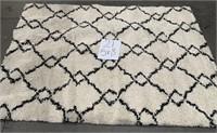 C - BETTER HOMES & GARDEN DIAMOND SHAG 5 X 7 RUG