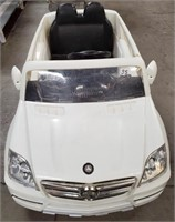 WHITE BENZ POWER WHEEL - WORKS - NO CHARGER