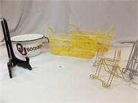 Easels, Baskets, OU Bucket