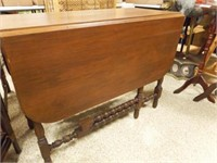 1920's Drop Leaf Gateleg Table