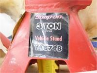 Snap-on 3 ton jack stand set