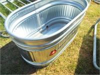 "Oval Stock tank, metal 24"" x  44"" x  24"" small"