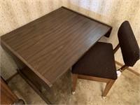 Desk w/ rolling chair