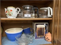Coffee decanters, juicers, bowls, and
