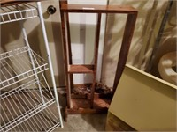 Wire Shelf & Wood Shelf