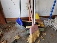 4 - Brooms & Push Broom