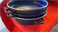 BIG AND LITTLE ROASTING PANS AND 3 PIECE BLUE