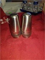 1 SET OF STAINLESS SALT AND PEPPER SHAKERS,
