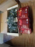 4 STRANDS OF STAR CHRISTMAS LIGHTS, 5 BOXES OF