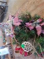 BEAUTIFUL CHRISTMAS ARRANGEMENT IN A WOVEN BASKET