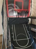REDLINE SPORTS BASKETBALL HOOP WITH 2 BASKETBALLS
