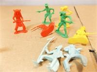 Toy Soldiers - dark blue, white, light green (30+)