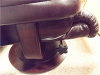 Swivel Chair with Footrest