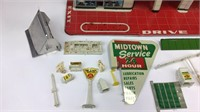MARX Hi-Test Service Station Tin Toy