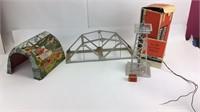 VTG Lionel Bridge Metal Tunnel #394 Beacon