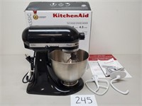 $260 KitchenAid Classic 4.5 Qt Mixer