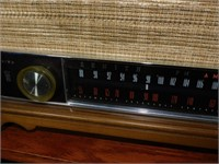 ZENITH TABLETOP RADIO