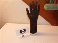 GLOVE FORM STORE DISPLAY