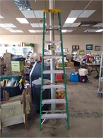 Large Quarterly Event! Antique and Collectibles Auction