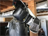 Everlast Punching Bag w/ 2 pairs of Boxing gloves