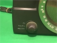 Vintage Zenith FM Radio
