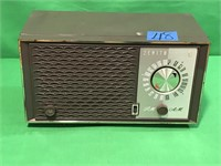 Zenith AM/FM Tube Radio