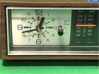 General Electric AM/FM Radio and Alarm Clock