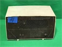 Vintage Silvertone AM/FM Tube Radio