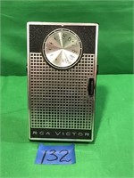 RCA Victor Am Radio With Handle