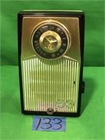 RCA Victor Deluxe All transistor AM Radio.