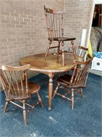 Pine QA Style Table w/4 Windsor Chairs, 1 Leaf