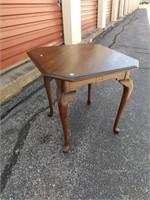"Henkle Harris Drop Leaf Corner Table 27""Hx32.5""W"