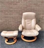 Stressless Ekones Swivel Chair & Ottoman