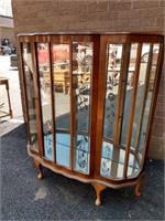 Deco Curio Mirrored Back, 2 Glass Shelves