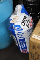 1 BAG OF OIL DRY ABSORBENT