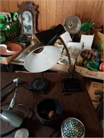 ANTIQUE DESK LAMPS, MISCELLANOUS VINTAGE ITEMS